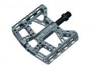 Педали Z plus z-1009, dh/bmx. материал: алюминий, cnc-обработка, ось cr-mo, сменные стальные пины, промподшипники. размер: 100х115х19мм. вес: 380г. цвет: серый
