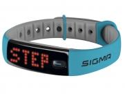 Шагомер SIGMA ACTIVO. цвет: голубой. функции: количество шагов, расстояние, калории, индикация трёх зон активности, часы, продолжительность и качество сна (с приложением SIGMA ACTIV), на правую/левую руку, влагостойкость IPX7